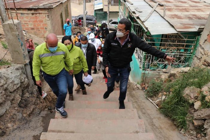 Alcaldía de Soacha adelanta proyecto de adoquines en calles de Altos de Cazucá