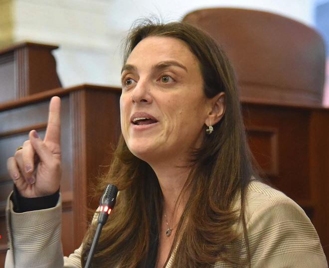 Por el escándalo de Centros Poblados, Karen Abudinen renunció al Ministerio de las TIC