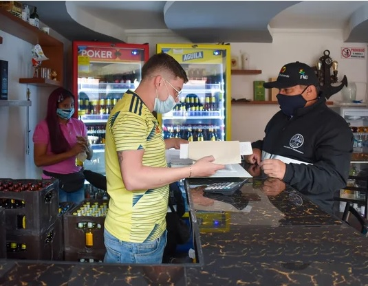 Operativos anti contrabando de cigarrillos y licores en Sibate (Cundinamarca)