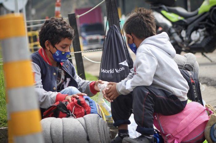World Vision sigue adelante con la atención a migrantes a la salida de Bogotá
